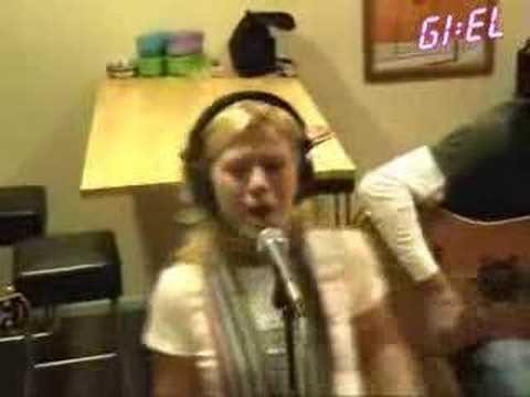 Kelly Clarkson - Behind These Hazel Eyes - Acoustic