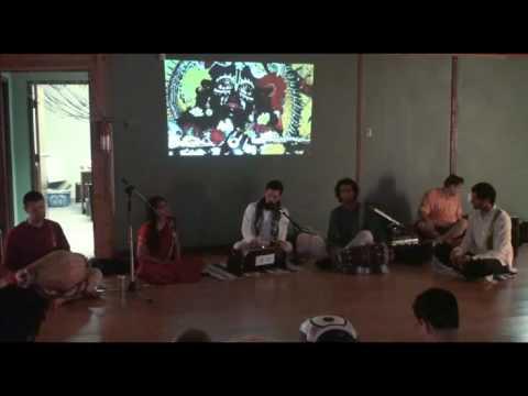 Bhajan - Diana's Yoga Studio - Hari das