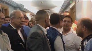 انفعال أحد أهالي «حادث المنيا» على رئيس الوزراء خلال زيارته للمصابين بمعهد ناصر