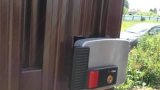 видео Филенчатая дверь с замком МЕТТЭМ