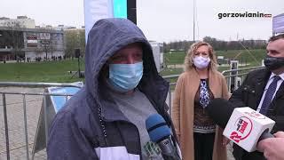 Ogromna kolejka do mobilnego punktu szczepień w Gorzowie