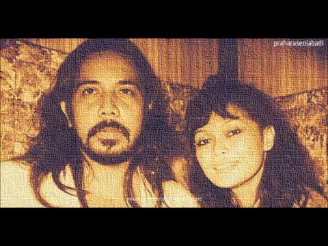 Ramli Sarip&Khadijah Ibrahim:Ku miliki bayangmu(HQ AUDIO)