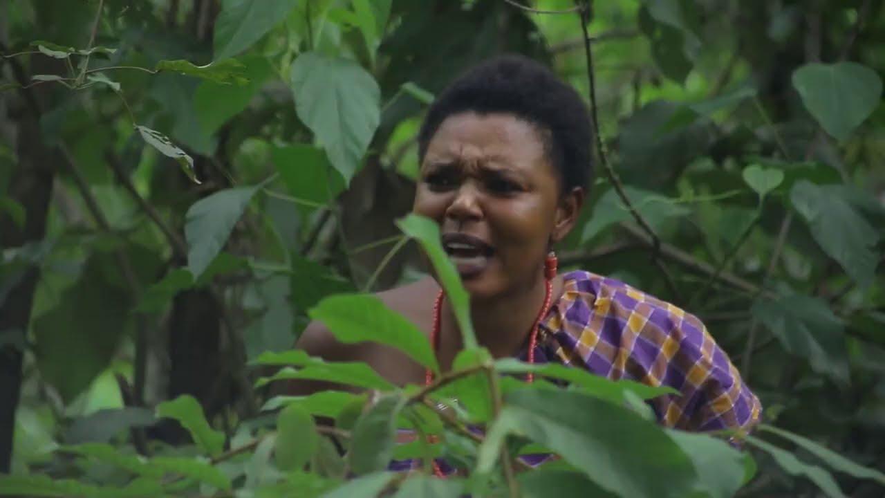 Download Strange Girl Seer Caught Evil Men In The Village Doing Evil - Nigerian Nollywood Classic Movie !
