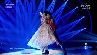 Merche y Roger Romero bailan