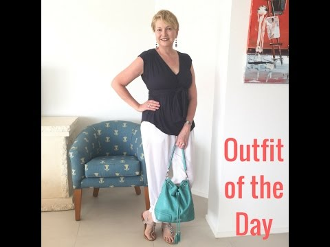Outfit of the Day - White and Navy combo - Queensland casual style