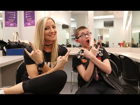 NITA STRAUSS Of ALICE COOPER Band: Love For The Fans & The Metal Community