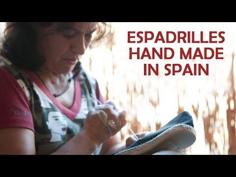 The traditional espadrille hand stiched by Concepción (Made in Spain)