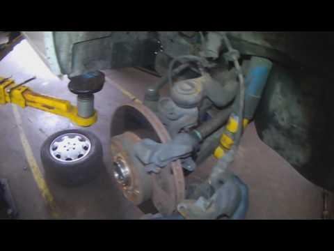VW T4: Eurovan front brakes