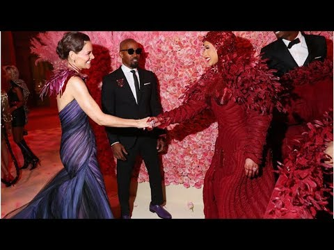 Katie Holmes and Jamie Foxx attended the Met Gala together, appearing to confirm their relationsh…