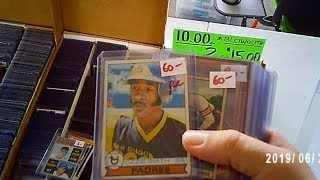 I BOUGHT A BUNCH OF OLD ROOKIE CARDS AT A HUGE FLEA MARKET