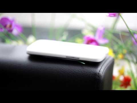 Mở hộp Sharp SH 930W AQUOS PHONE: Màn hình Full HD IGZO  - CellphoneS