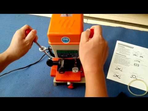 368A  Universal  Door Key Cutting Machine Locksmith Equipment Key Duplicating Machine