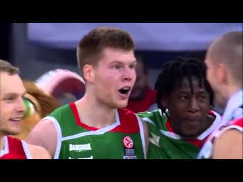 Davis Bertans hits the winning three to defeat Real Madrid in Vitoria