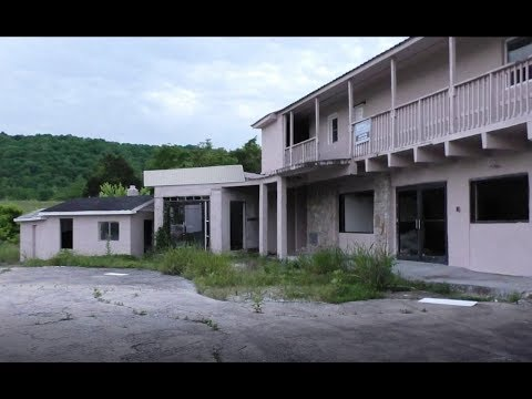 Abandoned Motel off i-40 in TN For sale! See us explore it.