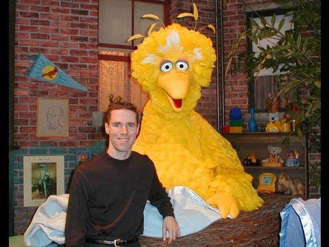 Caroll Spinney Legendary Puppeteer Behind Big Bird And