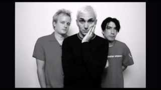 Everclear - Our Lips Are Sealed (Go-Go