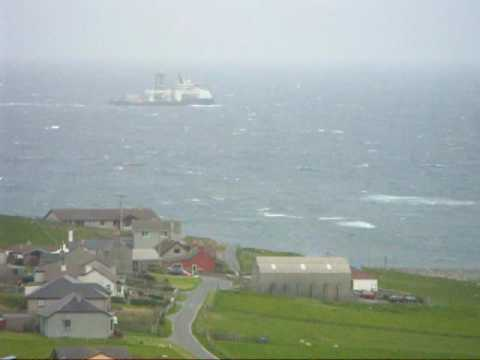 Island Constructor passing East of Shetland at Grutness and Sumburgh