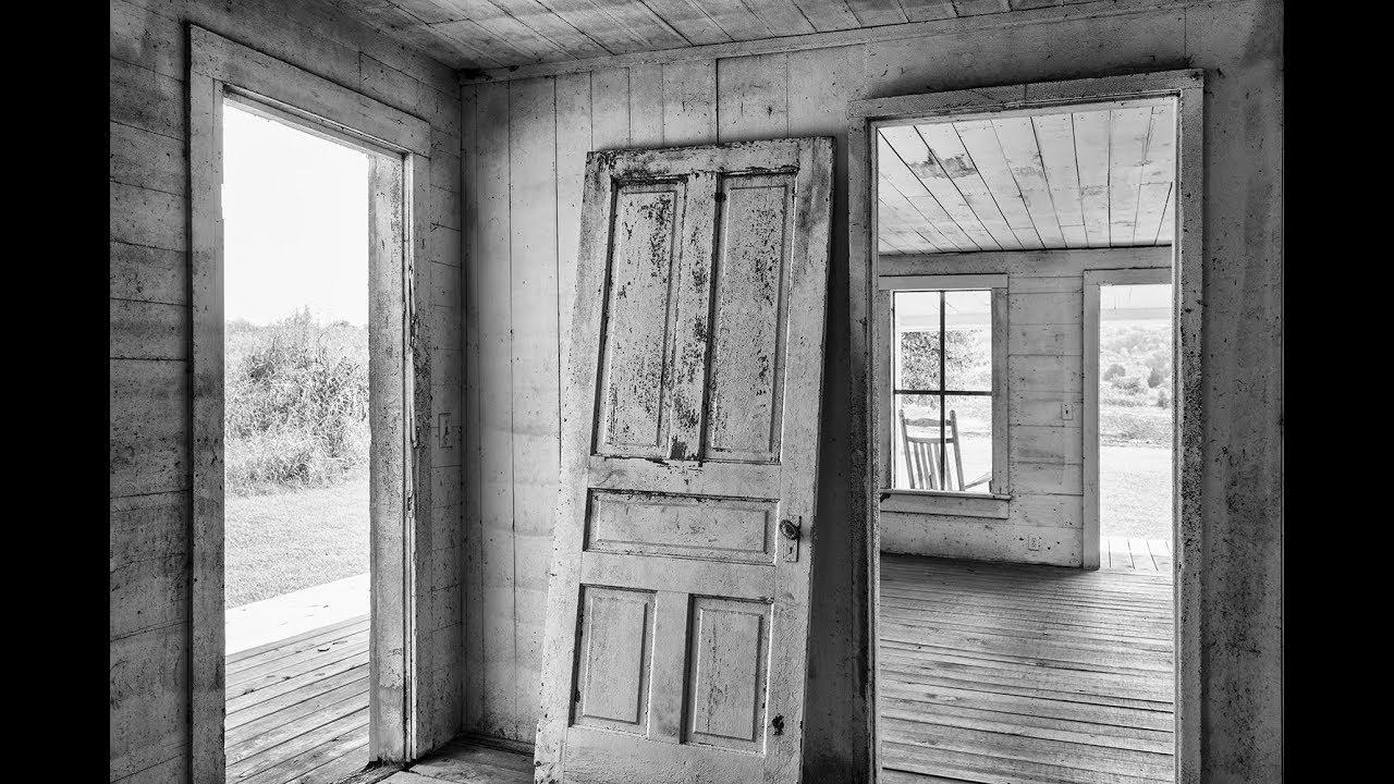 New photographs of an empty old farmhouse - Shadows and Light