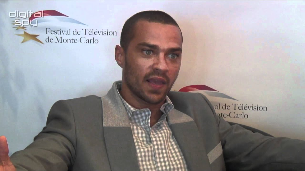 Jesse Williams on Grey\'s Anatomy love triangle and season 8 - YouTube