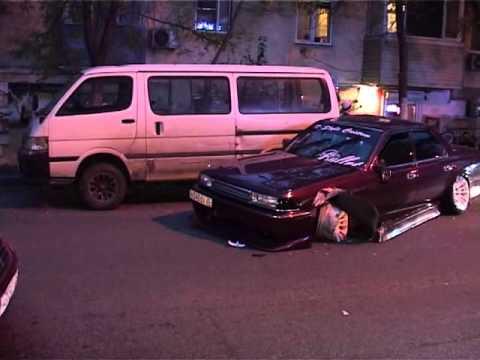 Три машины столкнулись на улице Ильичева во Владивостоке