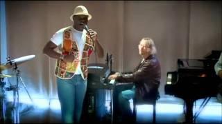 "Emilio Santiago & Marcos Valle - ""Disfarça E Vem"""