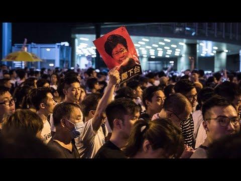 林郑认输,香港市民取得重大胜利!若遭制裁,北京高层只有一人不在乎