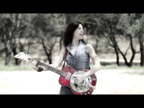 """Escucha """"Rattlesnake"""" lo nuevo de Susan Santos"""