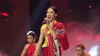 Hương Giang như bỏ bùa mê khán giả trong ca khúc 'Gấm' tại đêm chung kết Siêu mẫu