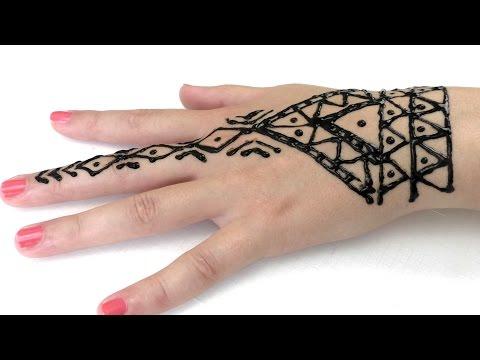 Tattoo mit Henna  / Sommer Trend / Wir gestalten uns gegenseitig Henna Tattoos