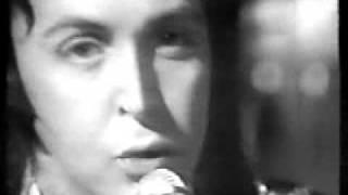 Paul McCartney - My Little Woman Love / C Moon