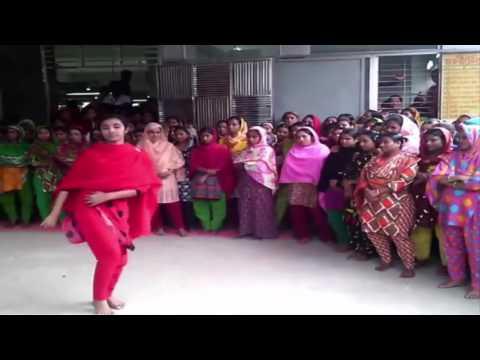গার্মেন্টস মেয়ে বলে কি সে নাস্তে জানে না দেখুন তার ফাটা ফাটি ডান্স ভিডিও। BD Dance Performance