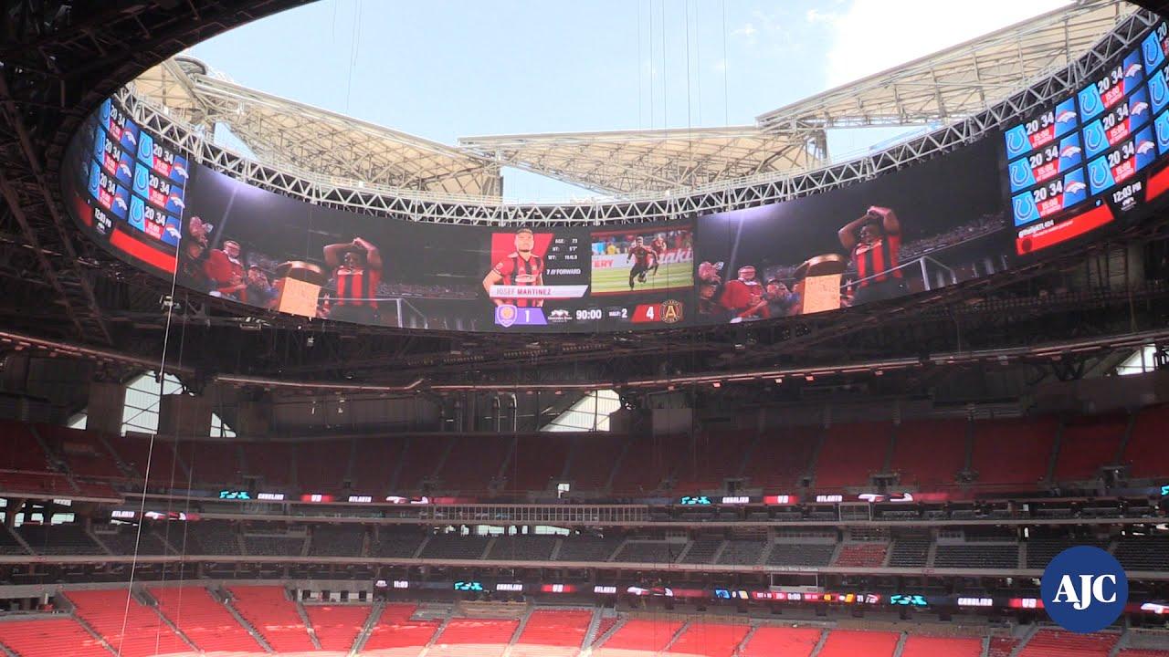 Video inside mercedes benz stadium youtube for Inside mercedes benz stadium