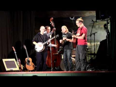 Rautakoura - Vieras (Stranger) live