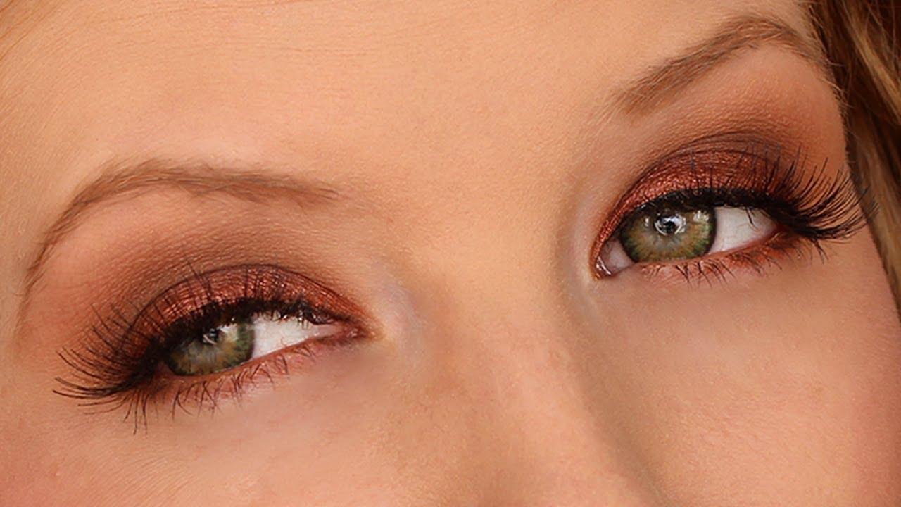 Eye makeup that makes green eyes pop