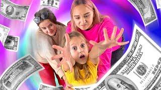 КВЕСТ В ГОРОДЕ! Найди 1000$ по подсказкам! Справятся ли девочки?
