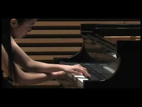 Ling-Ju Lai plays Gigue