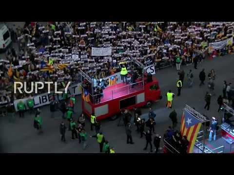 LIVE: Pro-independence protest takes place in Barcelona (Ruptly camera)