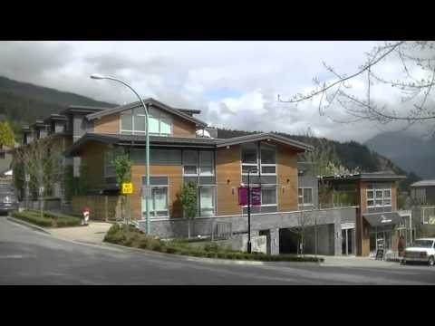 NORTH VANCOUVER British Columbia CANADA - Suburb - Driving to Deep Cove - Sightseeing Drive