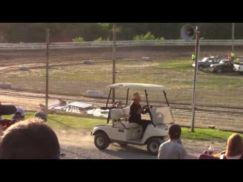 Hummingbird Speedway (6-10-17): Swanson Heavy Duty Truck Repair Semi-Late Model Heat Race #2