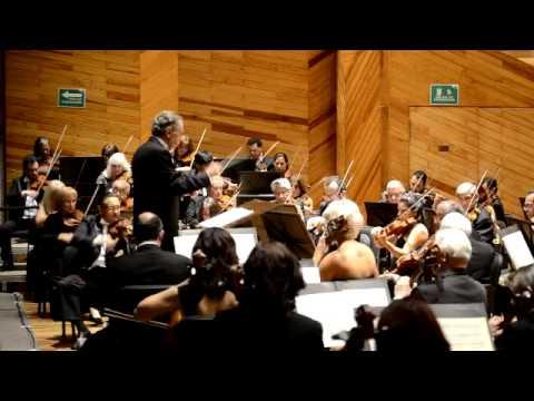 Orquesta Sinfónica del Estado de México bajo la batuta magistral del maestro Bátiz