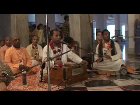 Mayapur Bhajans - Hare Krishna - 3/6