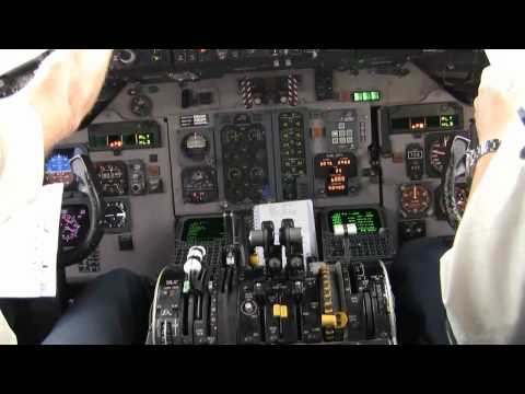 MD80 Cockpit Taxi Part 1 Full HD