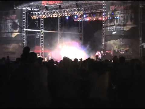 Bi-Mart Willamette Country Music Festival: Sugarland's 'Stuck Like Glue'