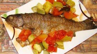 Форель с овощами(Быстрый способ приготовить форель. Все что нужно это обжарить рыбку с розмарином и чесноком. Порезать крупн..., 2013-08-22T08:50:13.000Z)