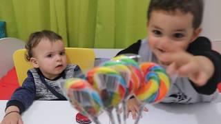 finger family with candies song - Kinderlieder und lernen Farben