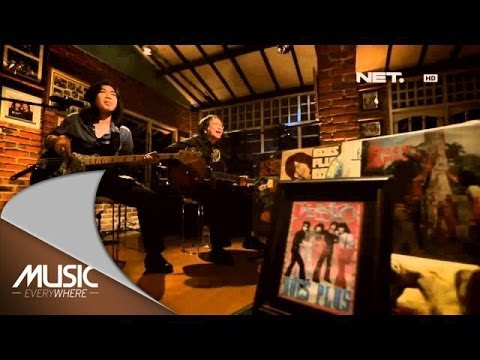 KoesPlus - Kisah sedih Di Hari Minggu ft Rebecca - Music Everywhere **