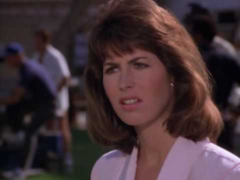 Magnum p.i.  S07E01  Dana Delany and Tom Selleck eye to eye!