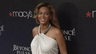 Hot mama: Beyonce glows at perfume launch