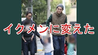 10月23日の夕方、都内の自宅から出てきた東出昌大(30)・杏(32)夫妻...