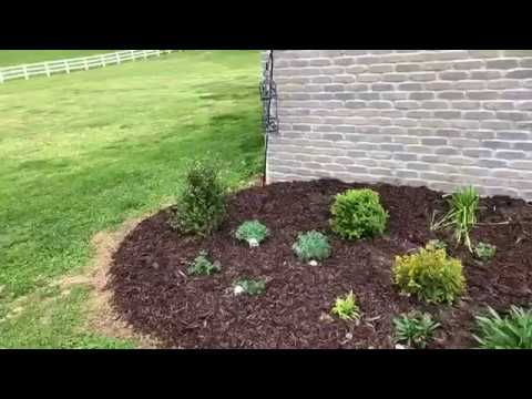 Re Mulching Flower Bed Youtube